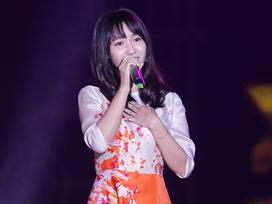 """""""Hot girl Bolero' Jang Mi dịu dàng tái hiện """"Duyên phận"""" trên sân khấu"""