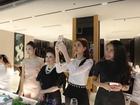 Cặp đôi Thu Thảo - Trung Tín đứng hình cùng Thủy Tiên theo trào lưu Mannequin Challenge