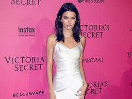 Kendall Jenner đẹp nhất tuần với mốt váy ngủ