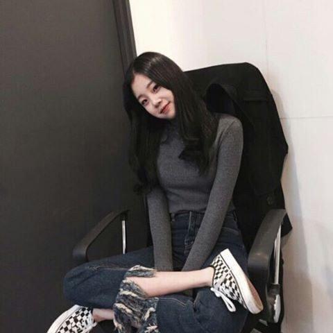 """Nhan sắc """"một trời một vực"""" giữa ảnh selfie và ảnh thực tế của nữ thần tượng Hàn - Ảnh 3."""