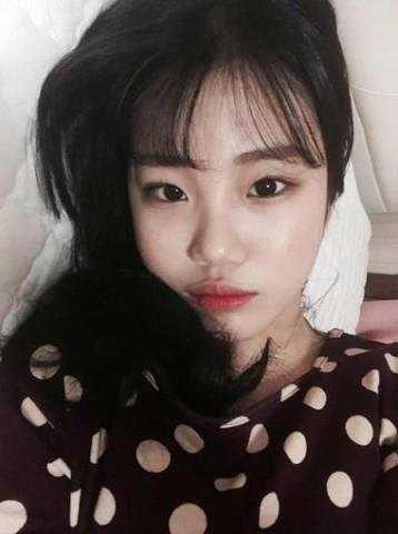 """Nhan sắc """"một trời một vực"""" giữa ảnh selfie và ảnh thực tế của nữ thần tượng Hàn - Ảnh 5."""