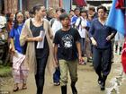 Theo đuổi chức tổng thư ký LHQ, Angelina Jolie lại đưa các con đến nơi ở mới