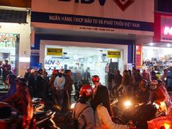Cướp ngân hàng ở Huế: Bất lực nhìn tên cướp xách đi 700 triệu đồng