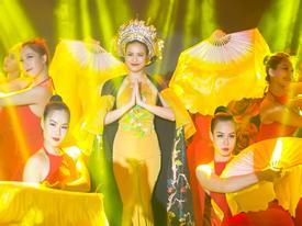 Hoàng Thùy Linh mặc áo yếm mỏng manh diễn Bánh trôi nước giữa trời đông Hà Nội