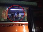 Cận cảnh cửa sổ xe trở đội Indonesia bị fan Việt Nam ném vỡ kính
