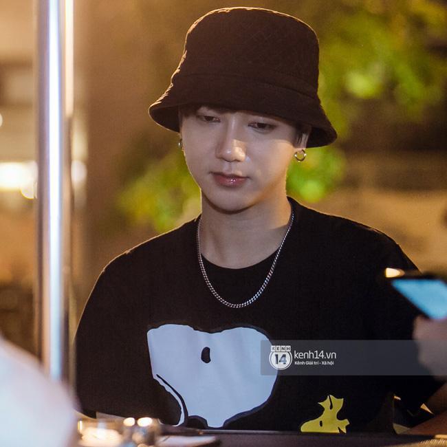 Yesung hoang mang khi ekip Việt không chào mình, nói gì về scandal của Taeyeon tại MAMA? - Ảnh 12.