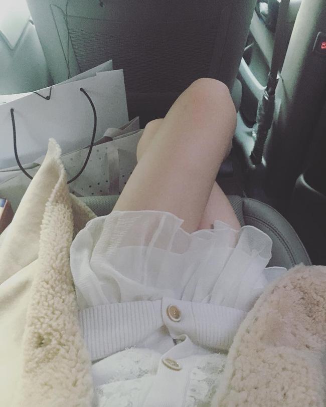 Hẹn hò với bạn trai hơn 14 tuổi Choiza, Sulli bị ném đá thậm tệ vì ăn mặc thiếu vải - Ảnh 5.