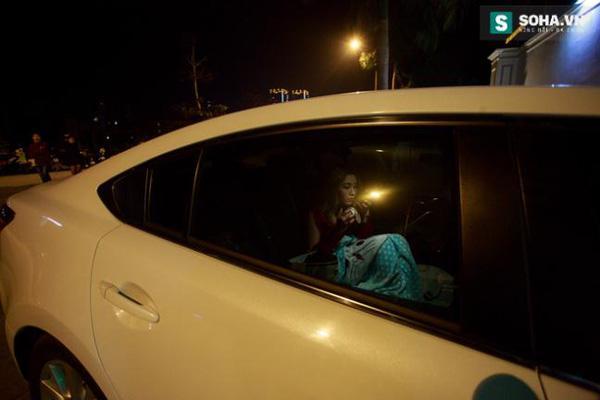 Thay đồ trên ô tô và cuộc sống sau 12h đêm của hot girl nóng bỏng Linh Miu-5