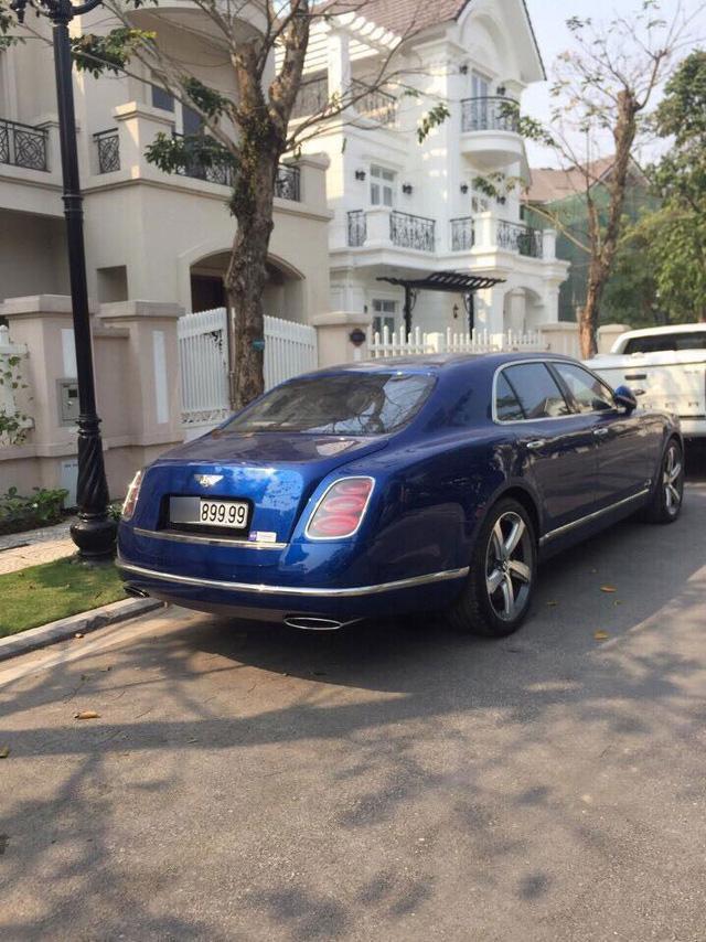 Chiếc Bentley Mulsanne sang trọng thuộc đời cũ. Ảnh: Ngọc Phú