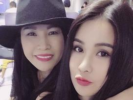 Mẹ Diệp Lâm Anh gây chú ý khi trẻ đẹp không thua kém con gái