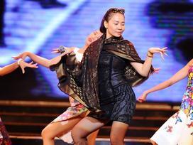 Đi hát đã lâu năm, Thu Minh vẫn 'sợ' khán giả Hà Nội