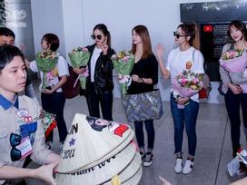 Trịnh Thăng Bình giúp EXID thoát khỏi vòng vây của hàng trăm fan hâm mộ