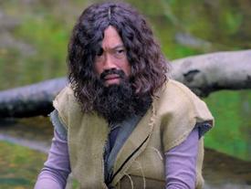 Không chỉ diễn hài xuất chúng, Hoài Linh còn là diễn viên hành động đáng ngưỡng mộ