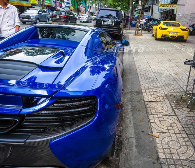 Cặp đôi siêu xe Minh Nhựa và tay chơi quận 2 khoe dáng trên phố Sài thành - Ảnh 3.