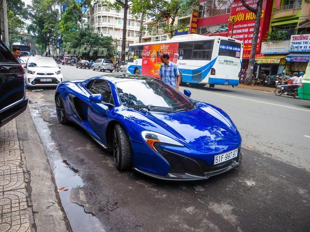 Cặp đôi siêu xe Minh Nhựa và tay chơi quận 2 khoe dáng trên phố Sài thành - Ảnh 8.