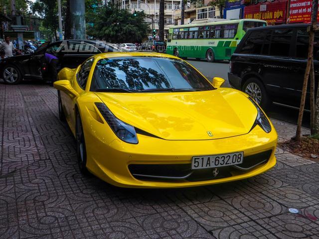 Cặp đôi siêu xe Minh Nhựa và tay chơi quận 2 khoe dáng trên phố Sài thành - Ảnh 12.