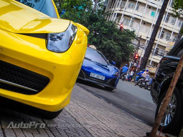 Cặp đôi siêu xe Minh Nhựa và tay chơi quận 2 khoe dáng trên phố Sài thành - Ảnh 2.