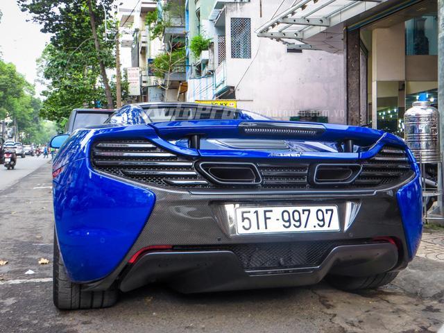 Cặp đôi siêu xe Minh Nhựa và tay chơi quận 2 khoe dáng trên phố Sài thành - Ảnh 5.