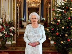 Choáng ngợp cách đón Giáng sinh khác biệt của đại gia đình quyền lực nhất nước Anh