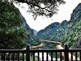 Toàn cảnh 'Tuyệt tình cốc' thơ mộng hút hồn phượt thủ Việt