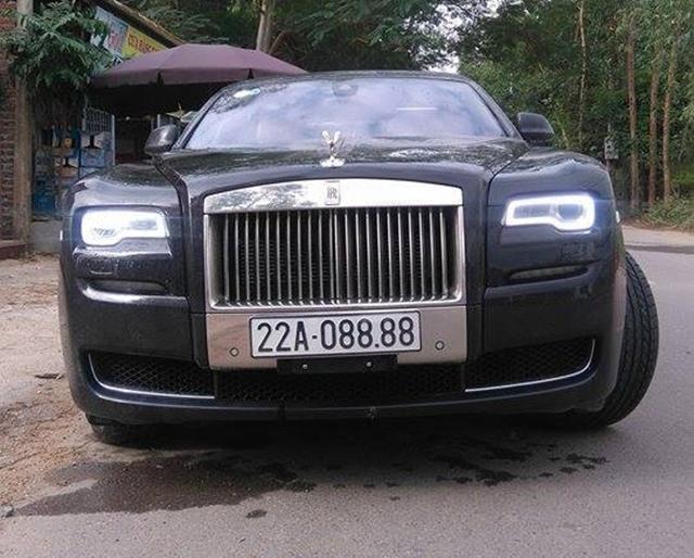 Rolls-Royce Ghost 27 tỷ Đồng của đại gia Tuyên Quang đeo biển tứ quý 8 - Ảnh 2.