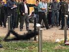 Người đàn ông chết cháy, thi thể buộc chặt vào cột cạnh sân vận động Vinh