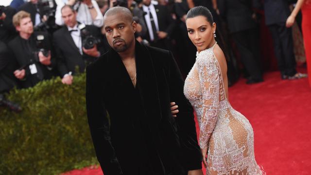 Kim Kardashian bị kẹt vòng 3 vào toilet xịn của Kanye West mới mua? - Ảnh 2.