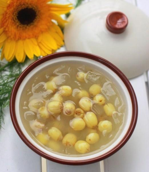 Cách nấu chè hạt sen tươi ngon cho ngày Tết thêm vị
