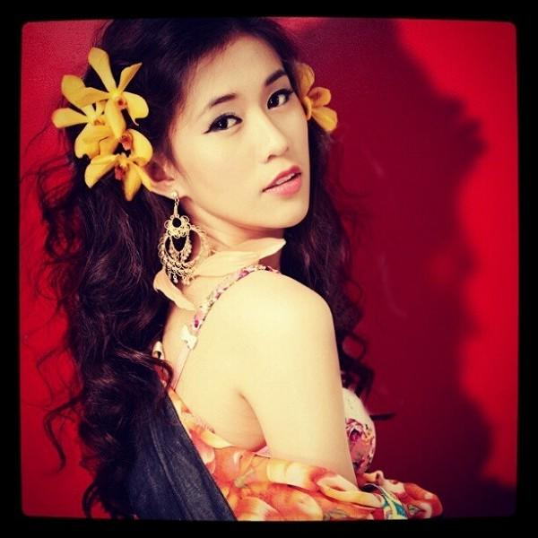 Bức ảnh đầu tiên trên Instagram của các hot girl Việt nổi tiếng trông như thế nào? - Ảnh 6.