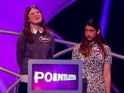 Tự giới thiệu từng đạt điểm A môn địa lý, cô gái phát biểu Paris là đất nước trong gameshow truyền hình Anh