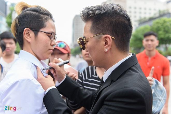Cuong Do La di sieu xe den quay MV cung Dam Vinh Hung hinh anh 9