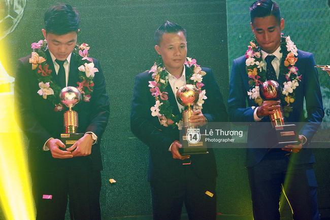 Thánh nữ bolero Jang Mi và những pha khó đỡ trong đêm Gala Quả bóng vàng Việt Nam 2016 - Ảnh 11.