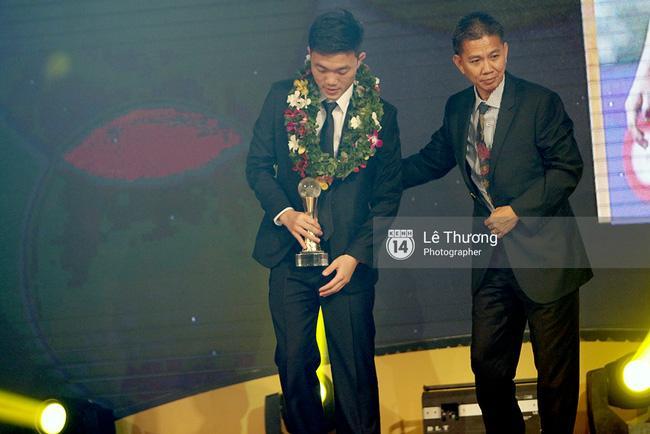 Thánh nữ bolero Jang Mi và những pha khó đỡ trong đêm Gala Quả bóng vàng Việt Nam 2016 - Ảnh 8.