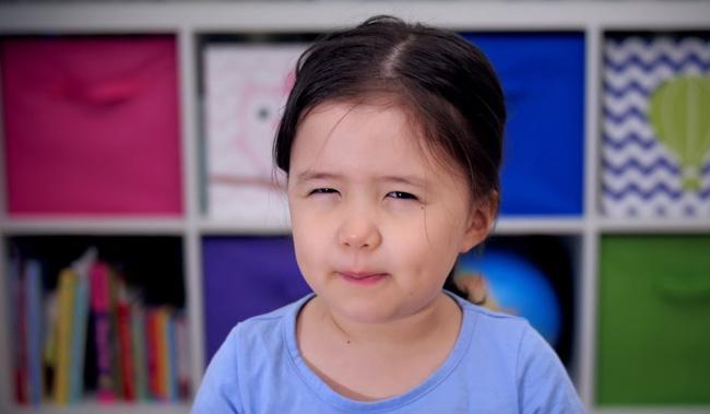 """""""Bà cụ non"""" 4 tuổi dạy đời giới trẻ về """"công thức"""" sống hạnh phúc trong năm mới - Ảnh 2."""