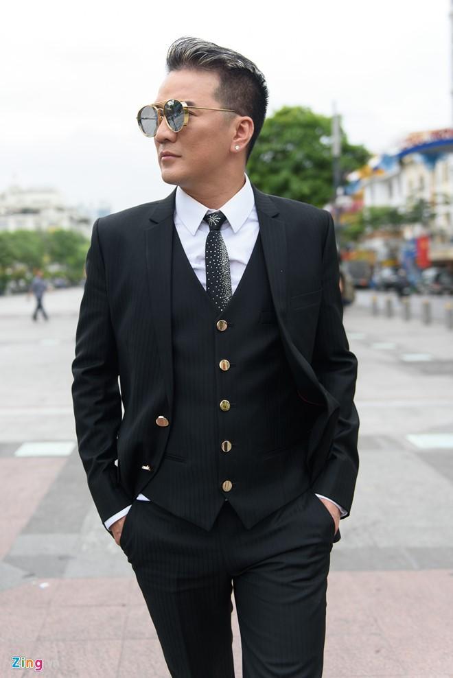 Dam Vinh Hung: 'Toi khong noi chuyen voi me may thang qua' hinh anh 2