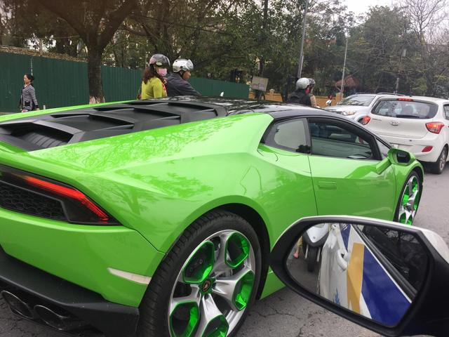 Siêu xe Lamborghini Huracan xanh cốm phượt ra Huế - Ảnh 4.