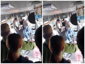 """Clip: Manh mối nhóm thanh niên """"hổ báo"""" cầm gậy đánh người ngay trên xe buýt ở Hà Nội"""