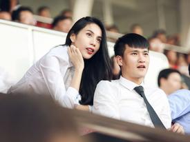 Thủy Tiên tới sân cổ vũ đội bóng của Công Vinh thi đấu