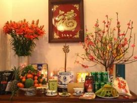 Các loại hoa nên và không nên bày trên ban thờ ngày Tết