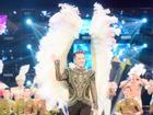 Đàm Vĩnh Hưng lập kỷ lục với show diễn bị tụt quần nhiều nhất