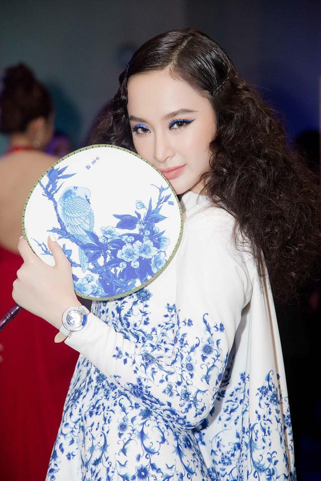 Thảm đỏ thời trang 2016: đất diễn dành riêng cho những chiêu trò của Angela Phương Trinh - Ảnh 7.