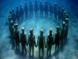 Hình ảnh ma mị trong bảo tàng dưới nước đầu tiên ở châu Âu