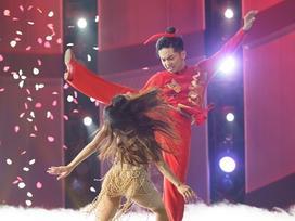 Khánh Thi và Phan Hiển biến Lạc Trôi thành bài nhảy đặc sắc