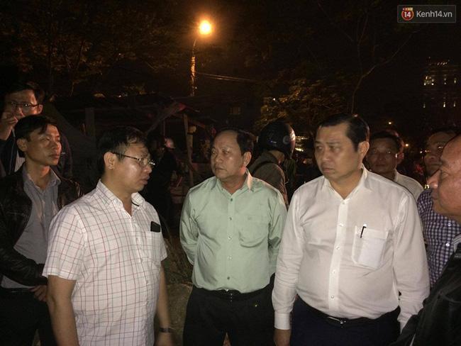 Đà Nẵng: Sập giàn giáo ở tòa nhà Luxury Apartment, 4 người bị thương - Ảnh 4.