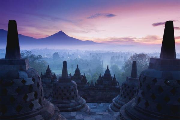 yogyakarta-vung-dat-la-nhung-dang-den-o-indonesia