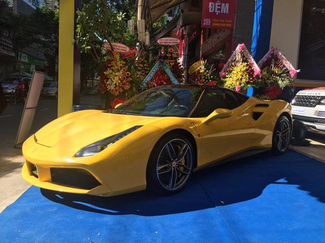 Bộ đôi siêu xe Ferrari và Lamborghini rủ nhau đi đăng kiểm tại Hà Nội - Ảnh 5.