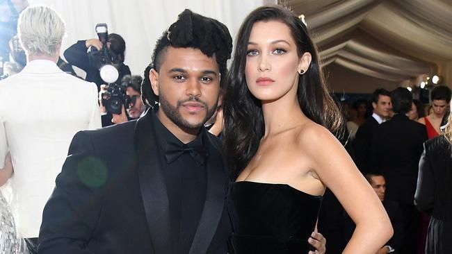 Bella Hadid cho rằng Selena Gomez là đồ bạn bè phản bội vì hẹn hò The Weeknd - Ảnh 2.