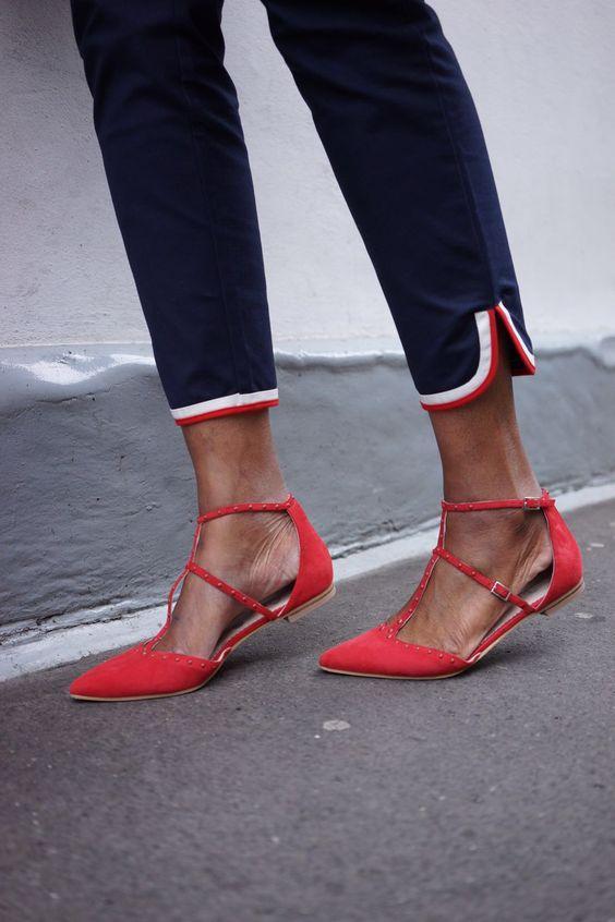 Giày bệt mũi nhọn: theo chân quý cô từ công sở tới tiệc tùng - Ảnh 9.