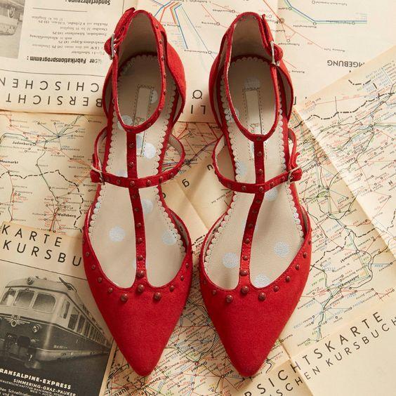 Giày bệt mũi nhọn: theo chân quý cô từ công sở tới tiệc tùng - Ảnh 11.