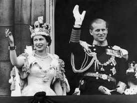 """Chân dung hai nữ hoàng quyền lực từ chối hôn nhân sắp đặt, tự chọn """"đức lang quân"""" cho mình"""